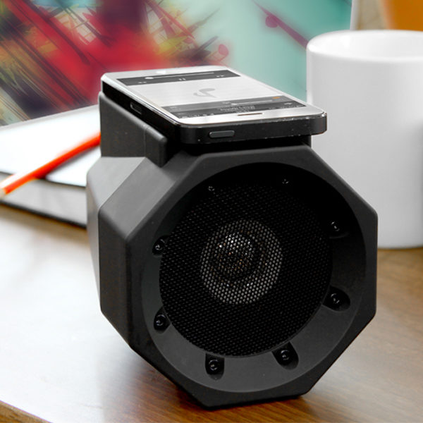 touch_speaker_boombox